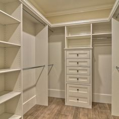 Organize Your Home With A Custom Closet Design